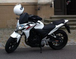 Die erste von Nicoline: Eine Honda CBF 500 F